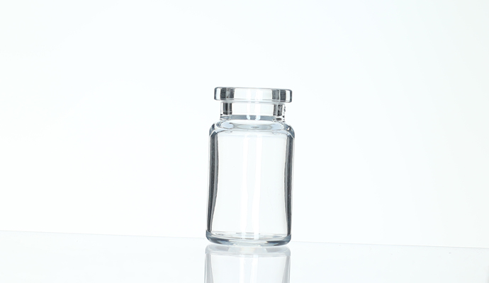 Plastic vials made of Cyclo Olefin Polymer