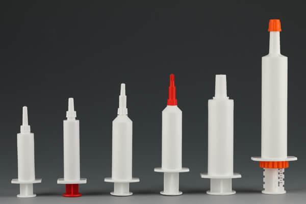 Plastic syringe wittout needle