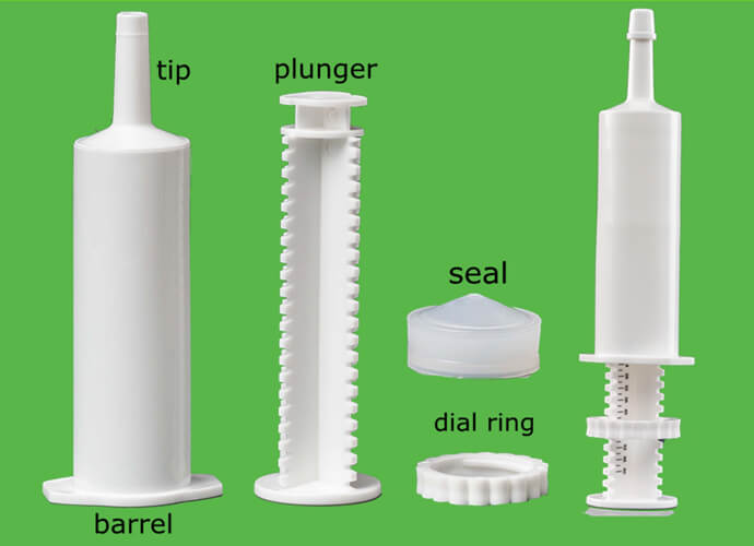 Plastic veterinary syringe features