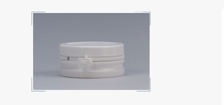 Plastic pills bottle with flip cap supplier z011