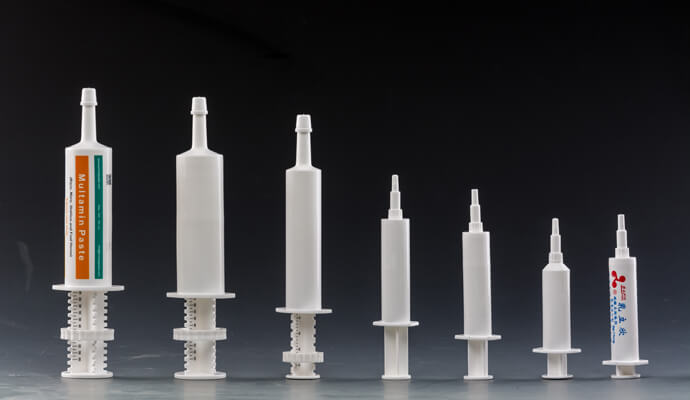 Test conditions of plastic veterinary syringe