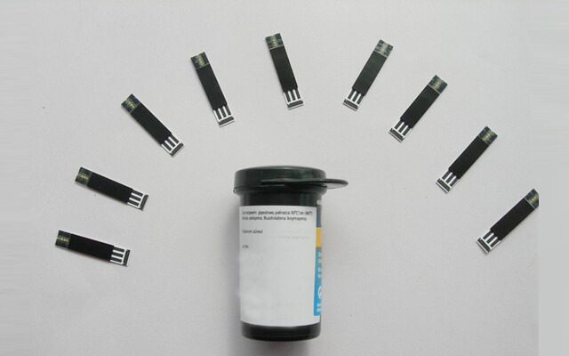 Blood glucose monitor quality control tests